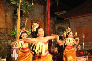バリ島の伝統舞踊.JPG